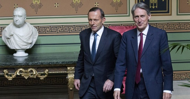 Australia won't rule out sending troops to Iraq