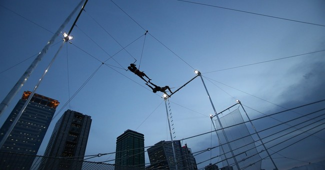 AP PHOTOS: Trapeze sends Filipinos flying high