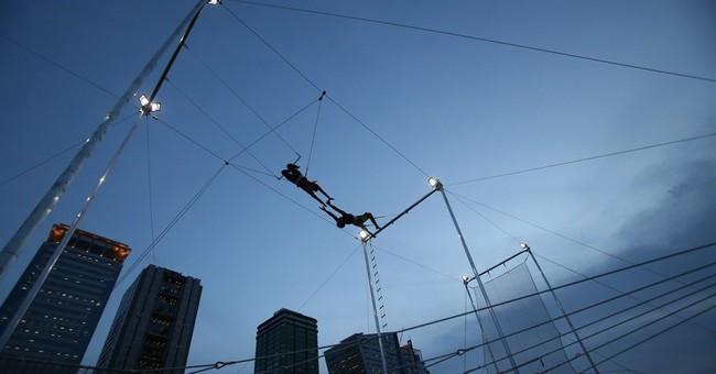 AP PHOTOS: Trapeze sends Filipinos flying high