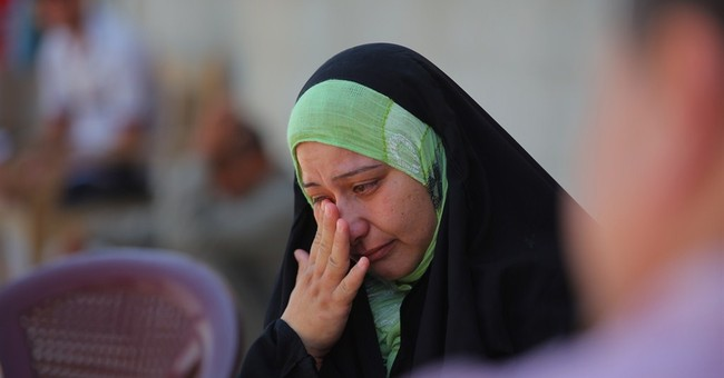Displaced Iraqis escape fighting, but not hardship