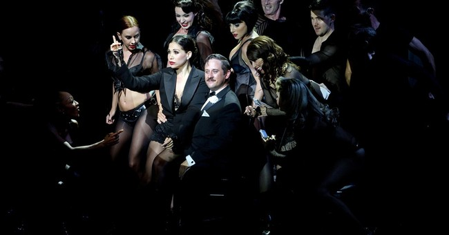 Christopher Fitzgerald does 'Chicago' double duty