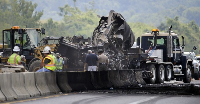 1 killed in tanker truck fire on I-65 in Tennessee