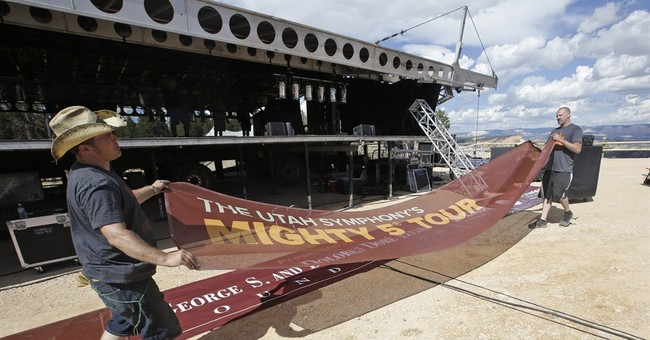 Symphony sets stage at southern Utah's red rocks