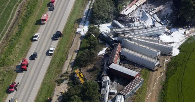 2 dead, 2 hurt in Arkansas freight train collision