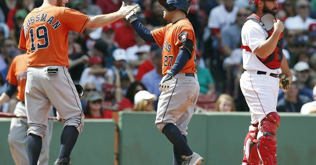 Altuve's slam lifts Astros over Red Sox
