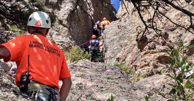 Teen hiker rescued from crevice in Colorado
