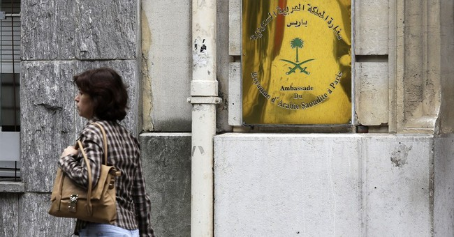 Robbers ambush Saudi prince's convoy in Paris