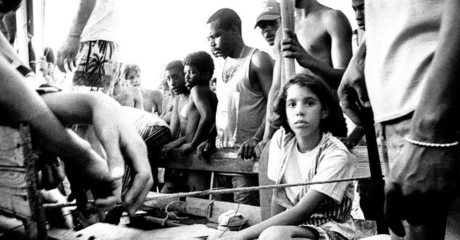 Cuban photographer: Do you recognize this girl?