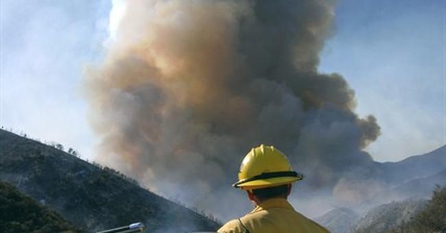 California brush fire spurs 1,500-plus evacuations