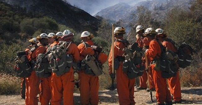 California brush fire spurs 1,500-plus evacuations
