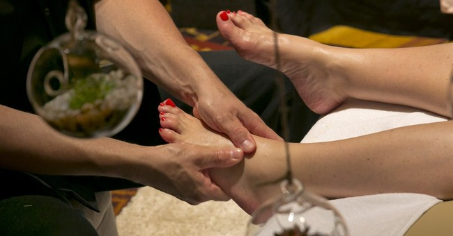 AP PHOTOS: Spa show is a feast for the senses