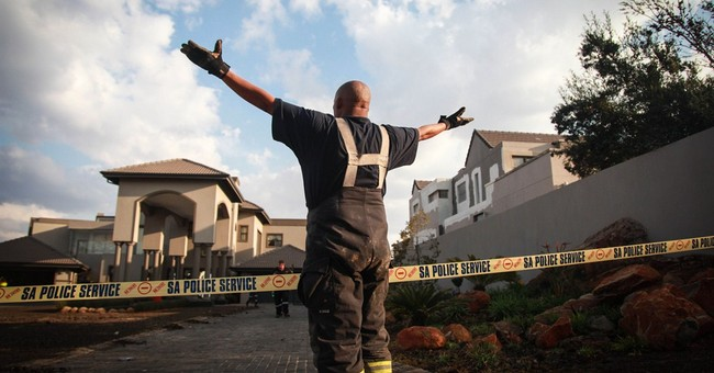 South Africa: 8 killed in building collapse