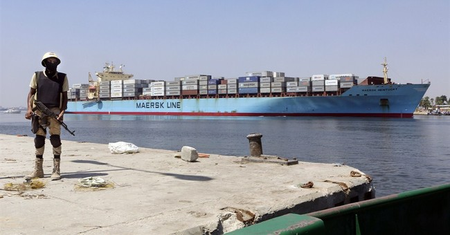 Egypt picks consortium to draft Suez plan