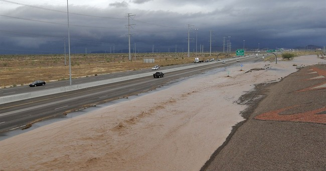 Arizona flooding creates several dramatic scenes