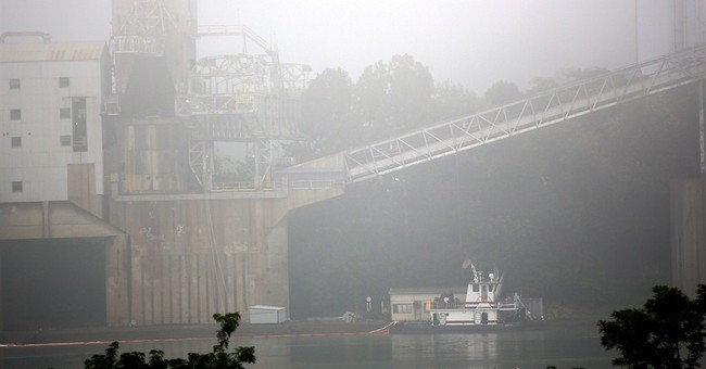 Stretch of Ohio River reopens after fuel oil spill