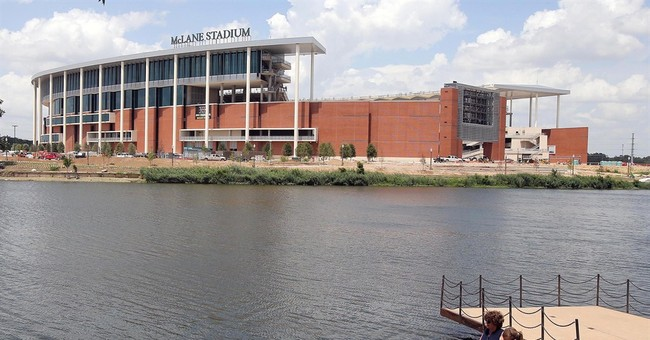 Colleges add luxury touches to new stadiums