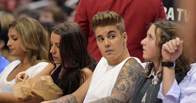 Photographer sues Bieber over Hawaii altercation