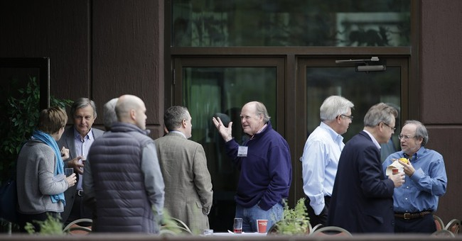 As conference ends, economists give clashing views
