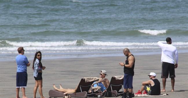 Bieber relaxing in Panama after Florida scrape