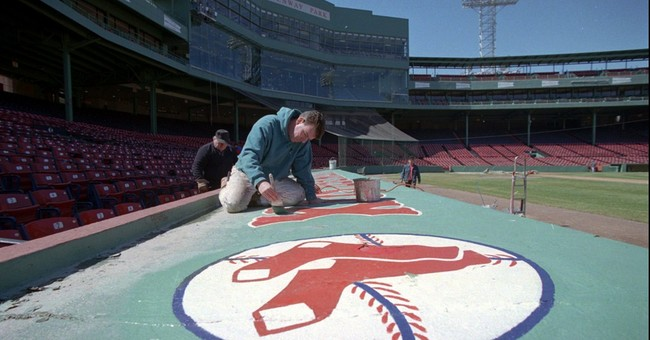 Comedy, tragedy mingle for Shakespeare at Fenway