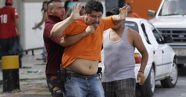 Mexico boosts Los Cabos security after looting
