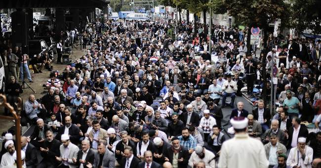 German Muslims protest against Islamic State group