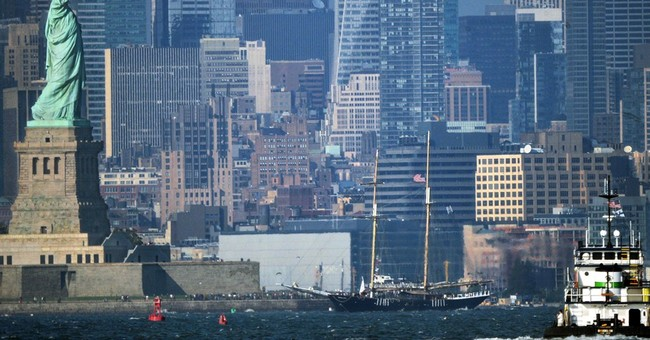 Tour ship runs aground by NYC's Statue of Liberty
