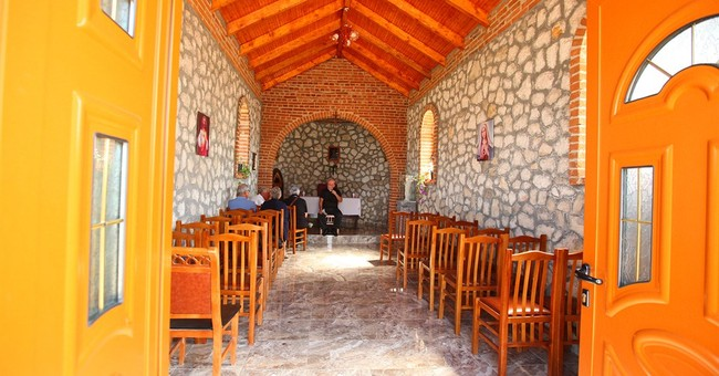 Pope Albania visit showcases Muslim-Christian ties