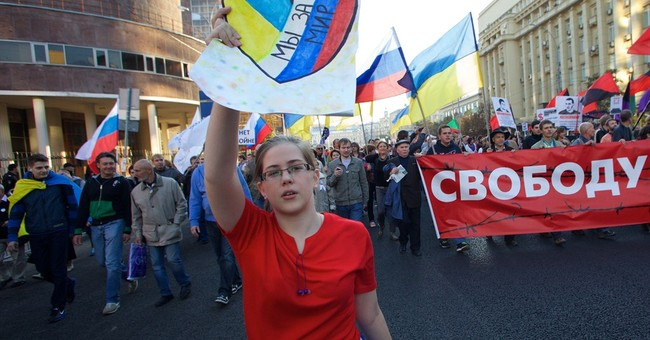 Thousands march in Moscow against Ukraine fighting