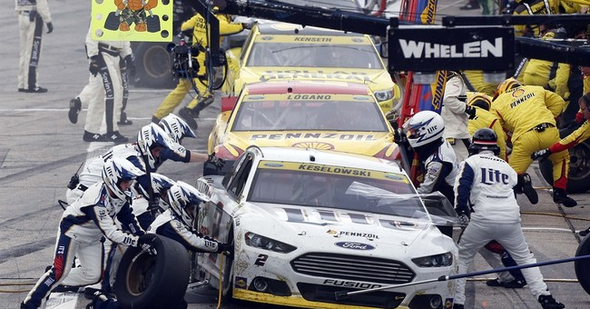 NASCAR sets testing ban that includes Daytona 500