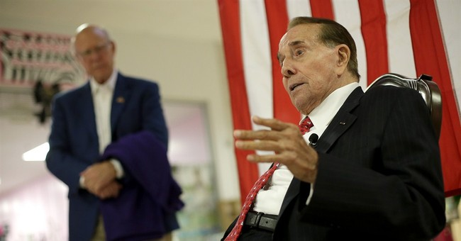 Dole campaigns for Roberts in Kansas Senate race