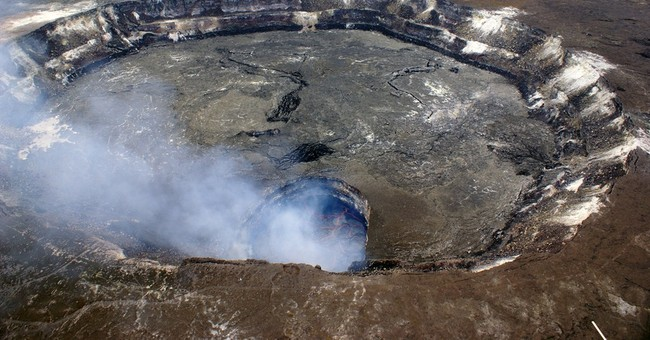 Closely watched Hawaii lava flow stalls