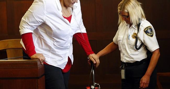 Hernandez cousin gets probation on contempt charge