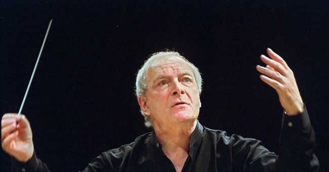Conductor Christopher Hogwood dies at 73