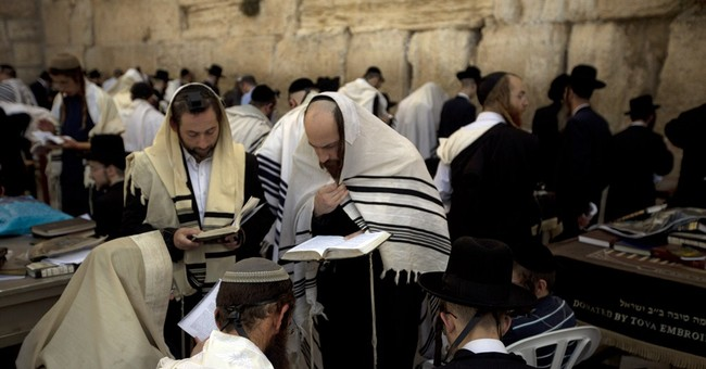Israelis usher in Jewish New Year with uncertainty