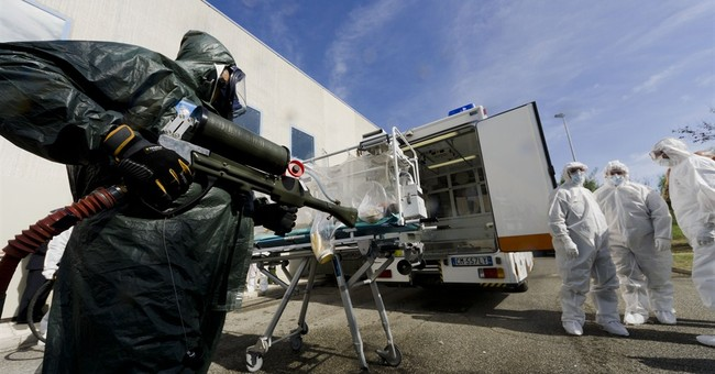 Italy stages Ebola evacuation drill _ just in case