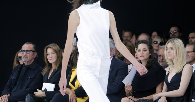 Marion Cotillard causes fracas at Dior Paris show