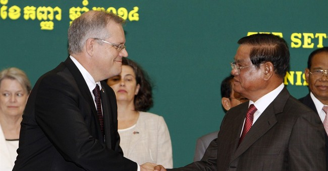 Cambodians protest Australia resettlement deal
