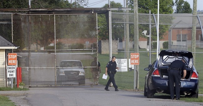13 escape Tenn. youth center despite new security