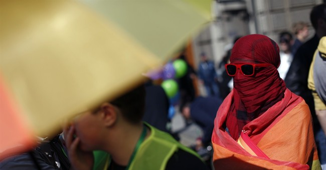 Serbia gay pride march takes place undisturbed