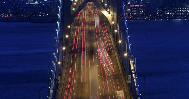 AP PHOTOS: Rush-hour keeps billions on the move