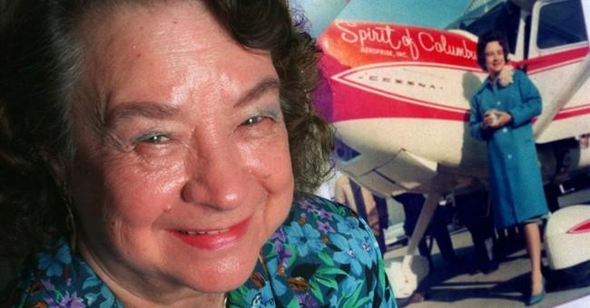 Mock, 1st female pilot to circle globe, dies at 88