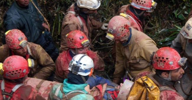 Spaniard rescued after 12 days in Peru cave