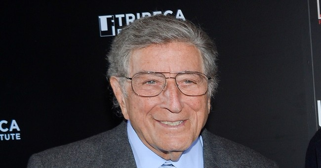 Tony Bennett sets mark as oldest act with No. 1 LP