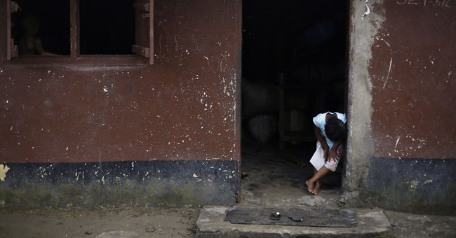 Many sick in US Ebola patient's Liberia hometown
