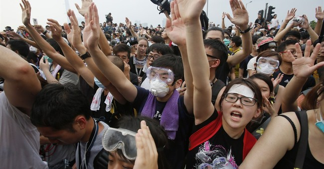 Hong Kong protesters set for talks; govt HQ shut