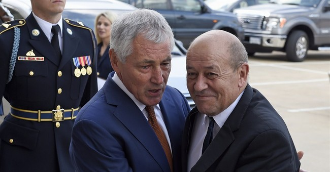 Hagel, French minister talk about Syria strikes