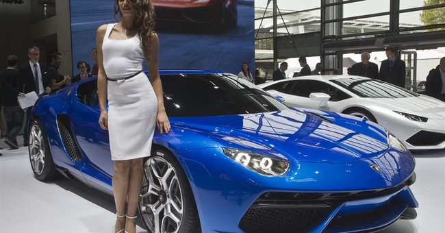 Lamborghini tests out hybrid supercar