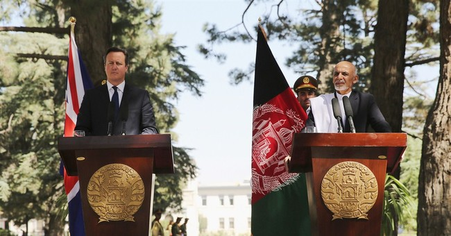 Britain's Cameron on surprise visit to Afghanistan