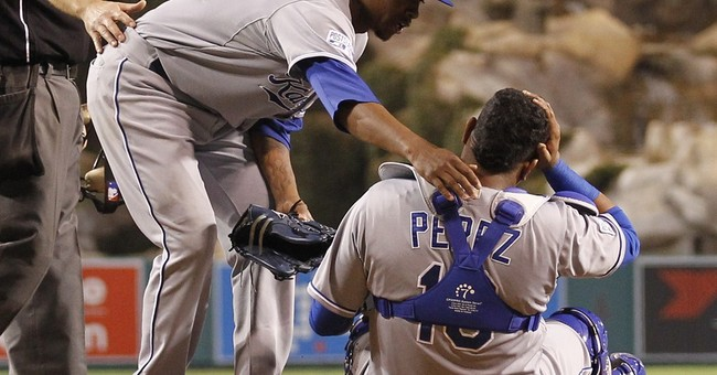 Royals top Angels 4-1 in 11 innings, lead ALDS 2-0